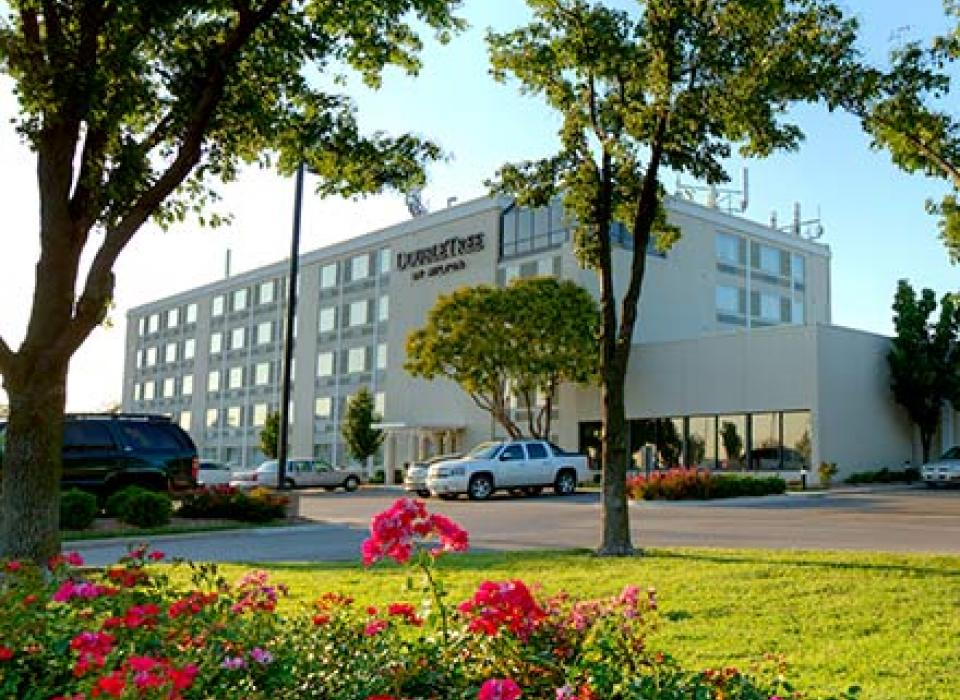 DoubleTree Wichita Airport - Wichita, Kansas